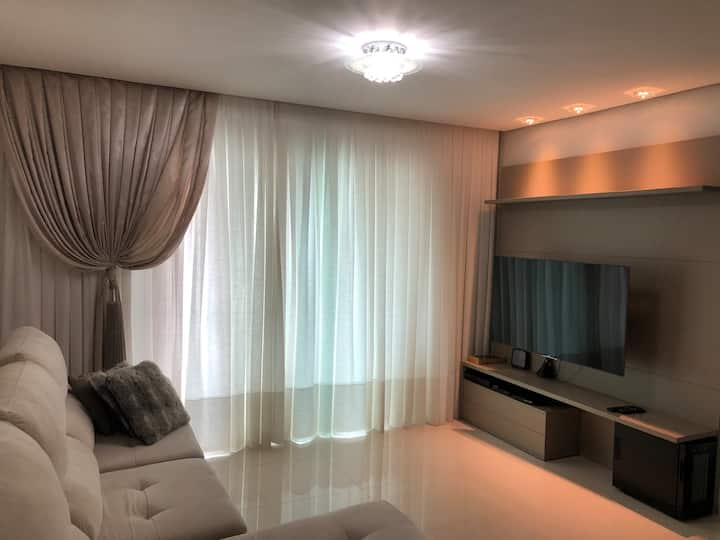 Apartamento com três suites em Cabeçudas!