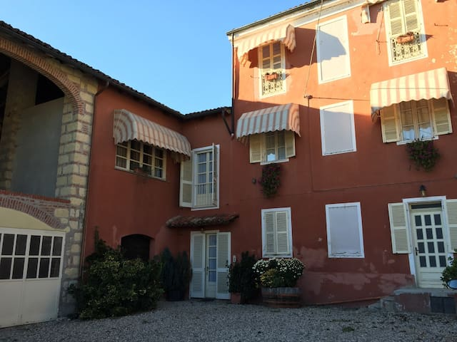 Bed & Breakfast tra i vigneti in Monferrato - Cascina Montalbano