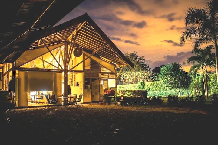 Habitación Santa Fe de Antioquia-Triple-A/C