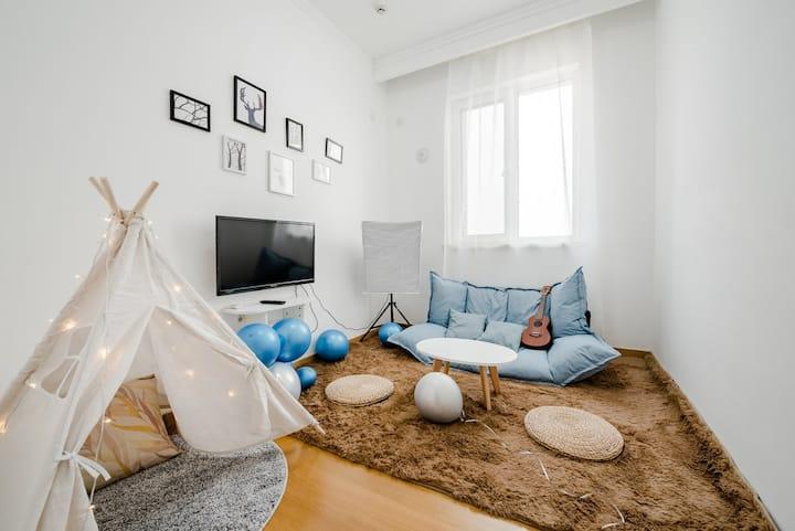 『流浪时光.初心』地暖开放/一个可以躺在床上看泰山的房间/中心商业区交通枢纽/免费奶茶桶装纯净水