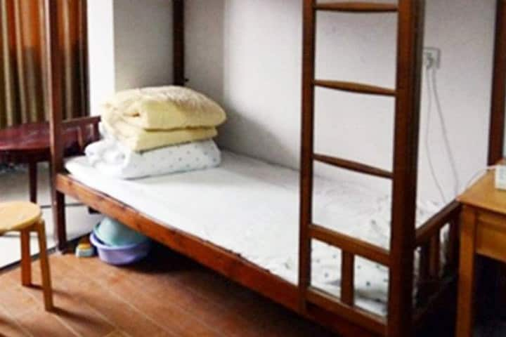 中关村地铁站附近舒适床铺出租,靠近北大清华和中关村创业大街,史上最优惠