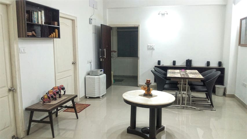Ganges View 3BHK Apartment (2 AC Rooms) - Varanasi - Departamento