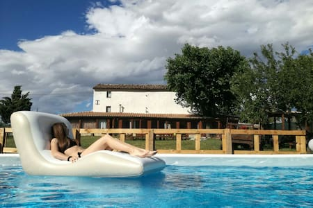 Viozzi's House - Country House in rent with pool