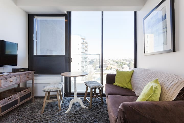 Great Small Apartment Walk to the Melbourne CBD