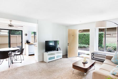 RT Short Term Rental - Contemporary Style Stay