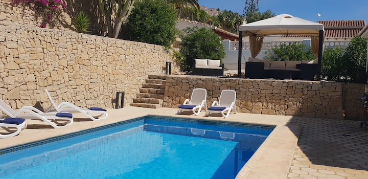 Private Pool. Detached Villa. Great outdoor spaces