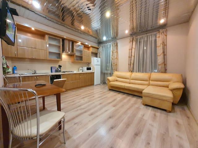 Апартаменты на Коммуны 20