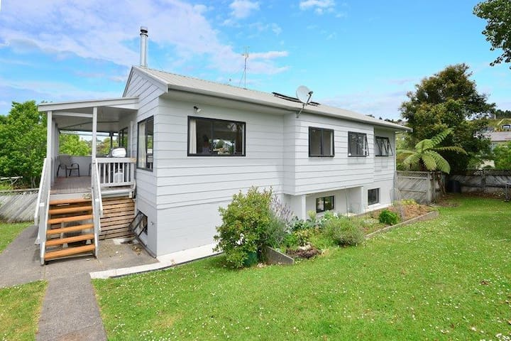 Hatfield Beach 3 bedrooms family holiday home