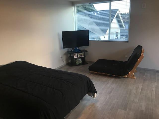 Cozy Modern Studio in West Seattle