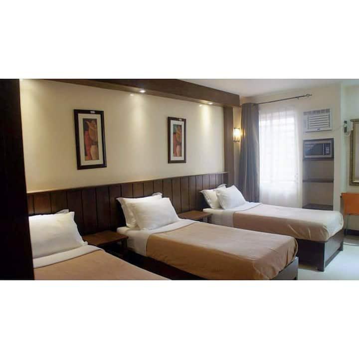 Standard Triple Room (203)