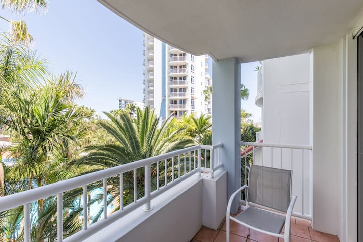 Location and luxury in Broadbeach