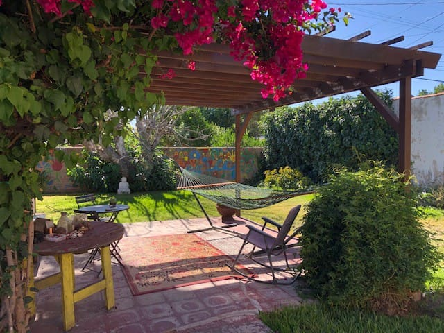 Cozy Spanish Bungalow w/Large, Private Backyard