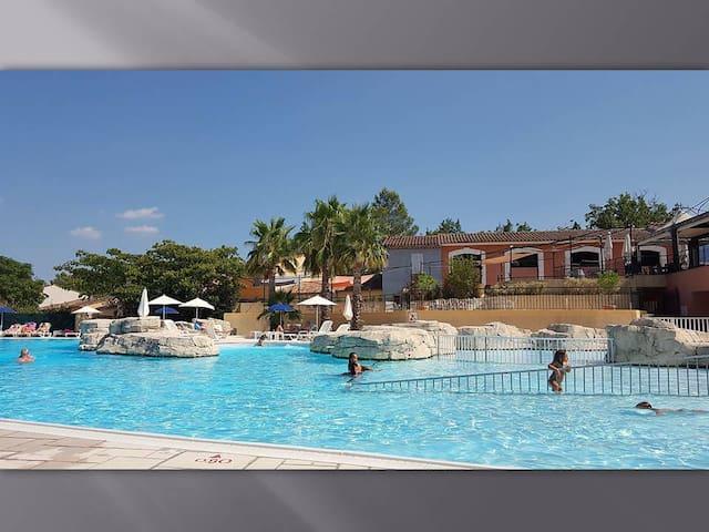 Maison 6 pers FAYENCE résidence 4* piscine & spas - Fayence - บ้าน