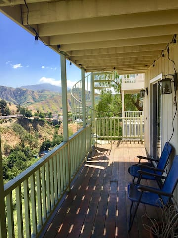 MAGICAL HOUSE IN THE HILLS!! - Kagel Canyon  - Casa