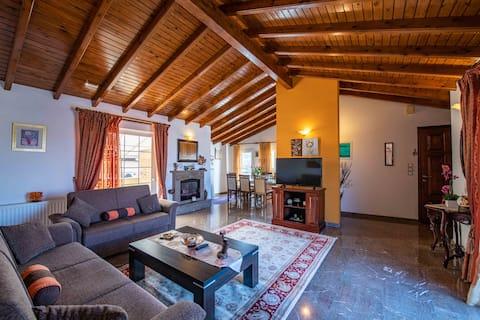 Rummelig lejlighed nær byen Korfu