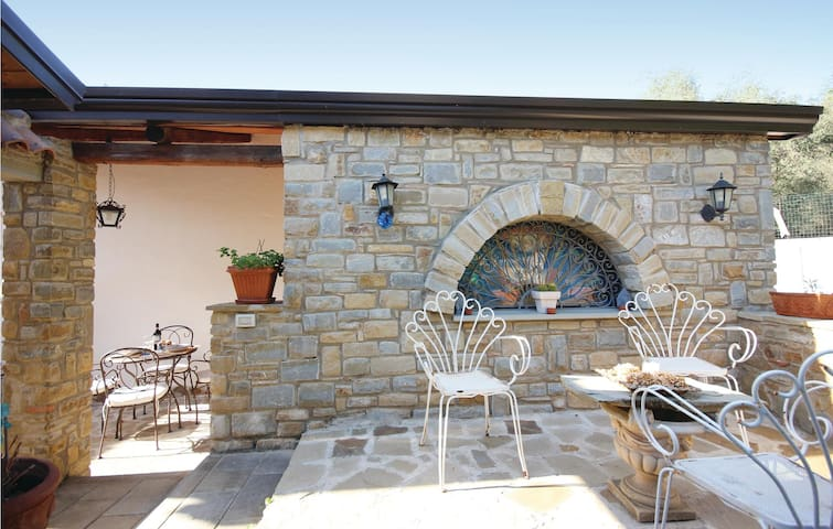 Semi-Detached with 1 bedroom on 35m² in Castellabate -SA-