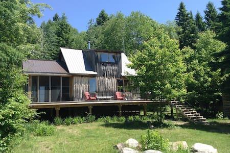 Modern Cabin - Sweet Getaway - Powassan - Blockhütte