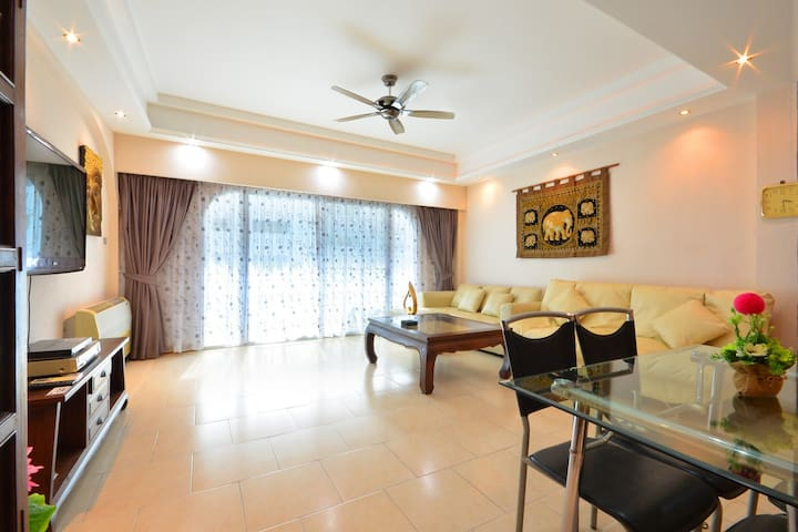 Luxury Condo 2 Bed 100m from beach - Bang Lamung - Appartement