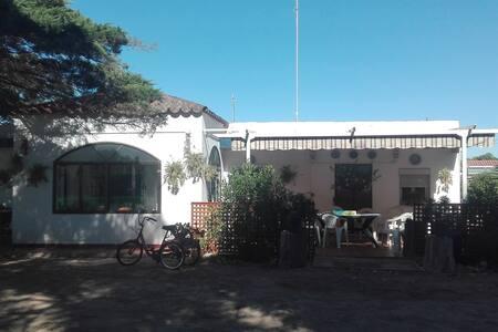 Casa rural 1ª linea de playa cn jacuzzi y barbacoa