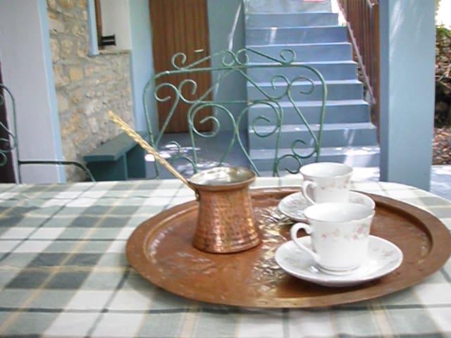 Aleka's place. Milina, Pelion