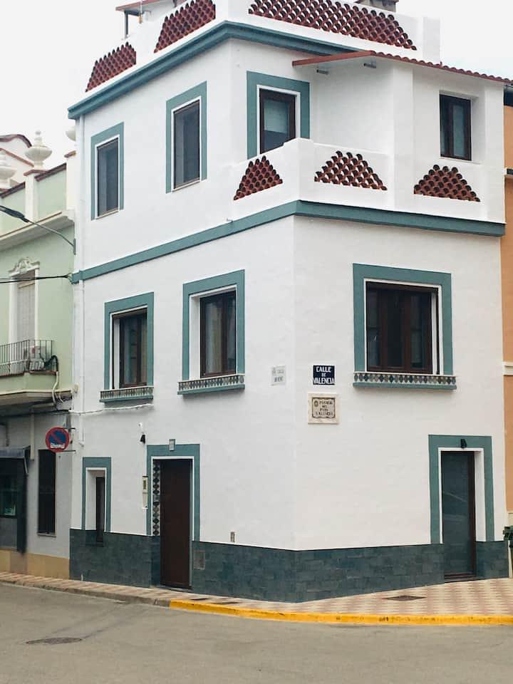 Casa céntrica con vistas en Corbera.