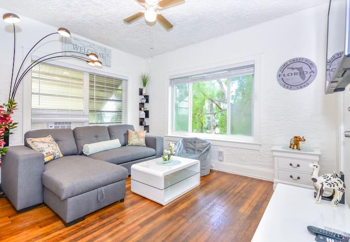 COZY  & GORGEOUS FULL 1BR Apartment
