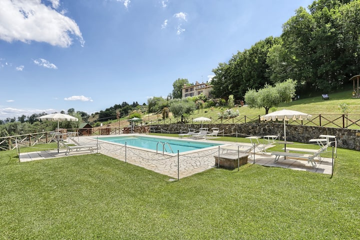 Rural Umbria   Independent farmhouse with pool