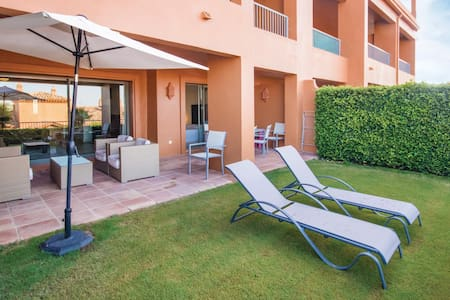 Holiday apartment with 2 bedrooms on 86m² in Benahavís