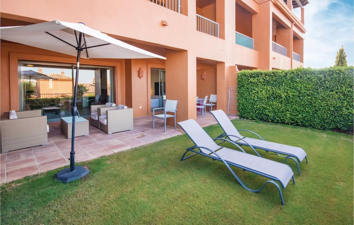 Beautiful home in Benahavís with WiFi and 2 Bedrooms