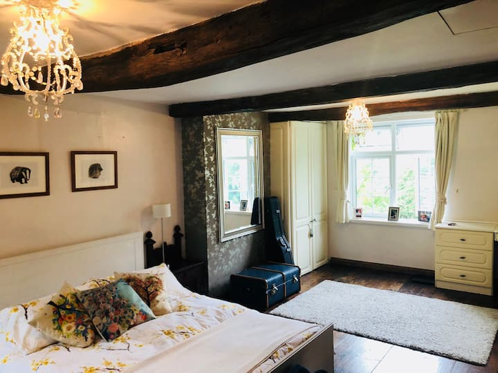 Period cottage by Lullingstone golf course