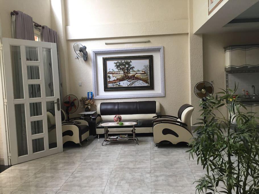 Living room - Location 1 (ground floor)