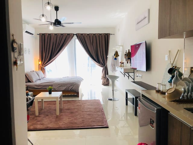 Liverlove Homestay at Central Park Country Garden