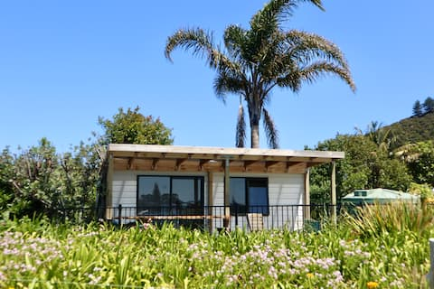 Mount and Surf View Cabin - Absolute Waterfront