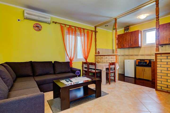 One Bedroom Apartment in Peaceful Area