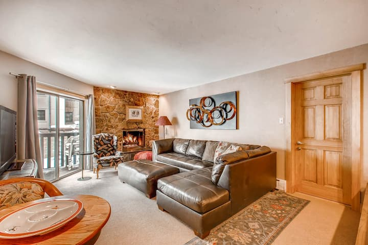 Walk to Eagle Bahn Gondola from this spacious Condo | Westwind 208L