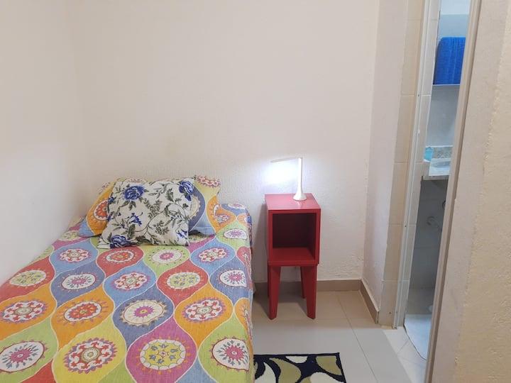 Suite Solteiro. Banheiro privado 12 min Sao Joaqu