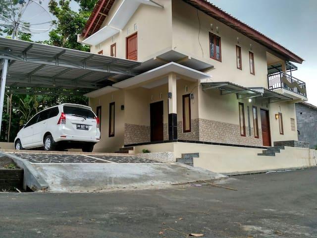 Guesthouse syariah kalibening