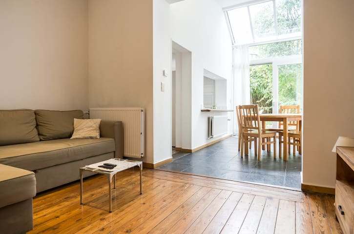 Beau appartement  lumineux avec jar - Etterbeek - Appartement