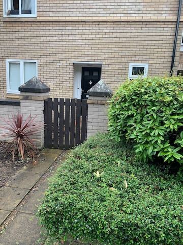 Nice & Tidy House near by Manchester City Centre