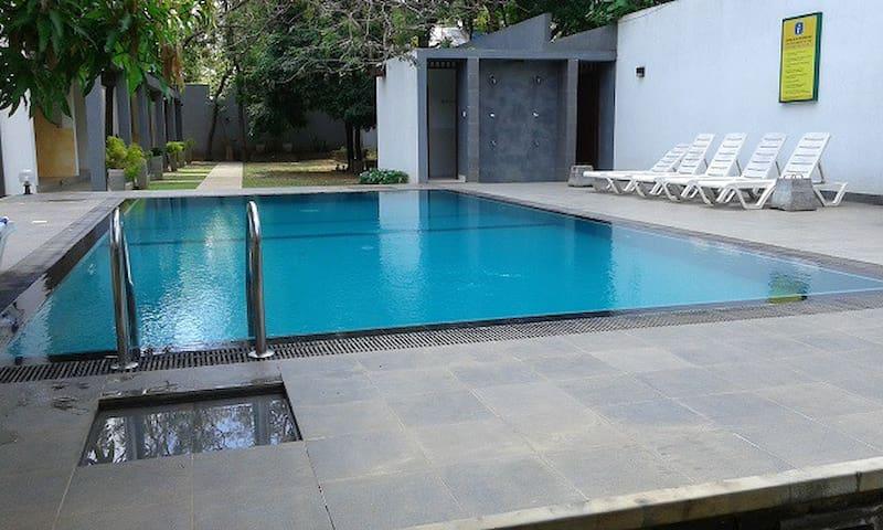 Alakamanda B&B Twin AC Room 2 Pax - Anuradhapura - Lägenhet