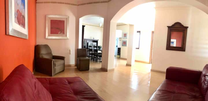 Rustic large 2bdrm Apartment 2 blocks from Zócalo