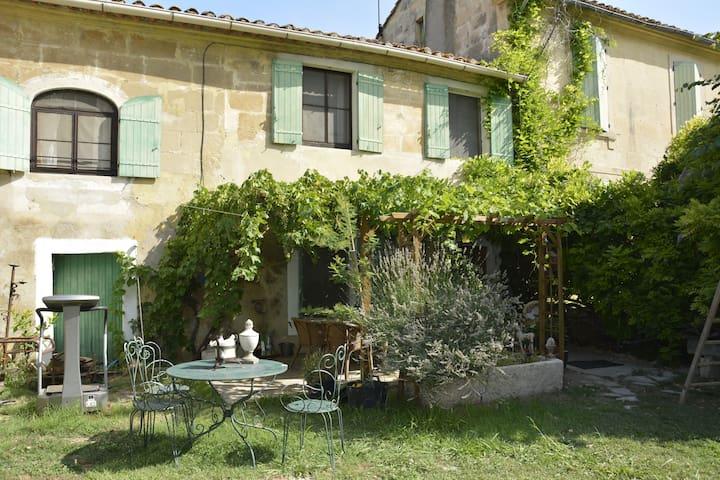 Chambres d'hôtes Mas typique provençal