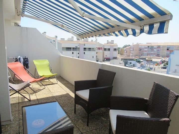 Superbe 3 pièces moderne 4 personnes - grande terrasse - Piscines proche mer et commerces