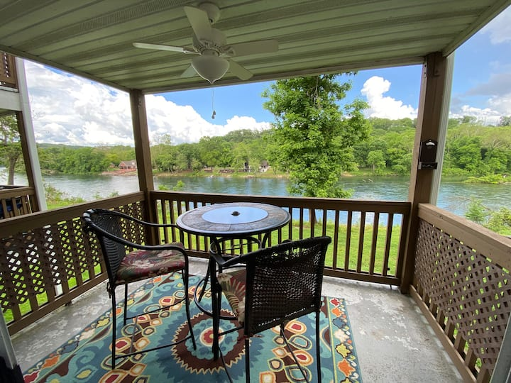 Centrally located couples retreat with a lake view