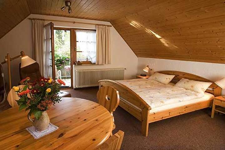 Appartements Tannenhof, (Badenweiler), Appartement A4, 34qm, 1 Wohn-/Schlafzimmer, max. 2 Personen