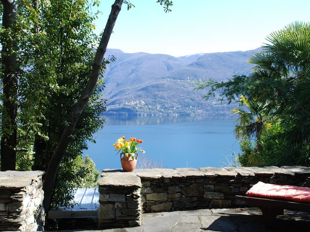 Apartment Garuda in Brissago