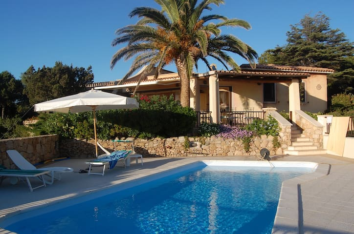 Villa Close to the Beach with Stunning Sea View, Garden and Terrace