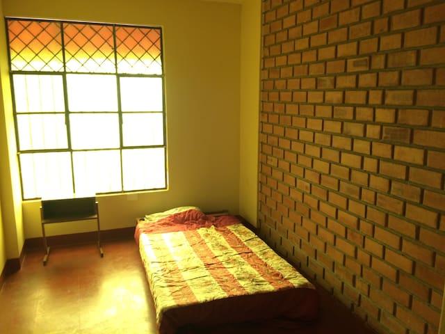 Habitación acogedora bien ubicada y económica - Piura