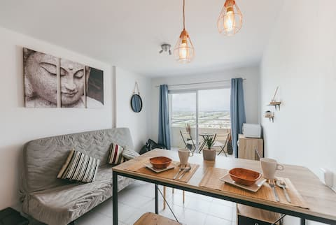 Renovated studio right next to the beach!