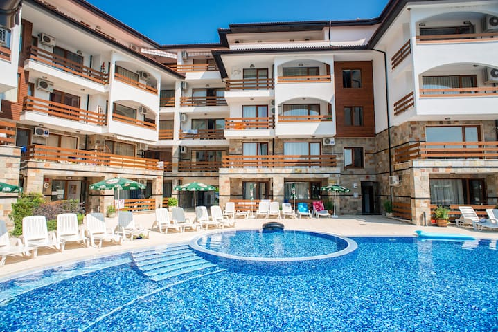 Robinson Beach luxury apartment - Elenite - Apartamento